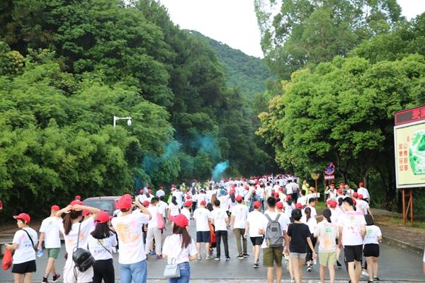 由大雁山风景区西门至纪元塔,全程4.4公里.